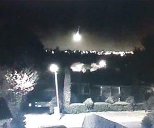 【動画】隕石が落下し夜空が明るくなる衝撃映像