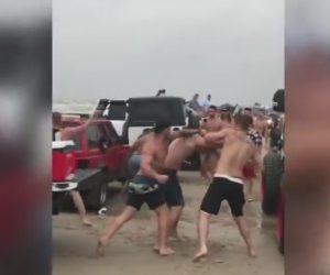 【動画】カーイベントで大乱闘。6人が入院し70名が逮捕される