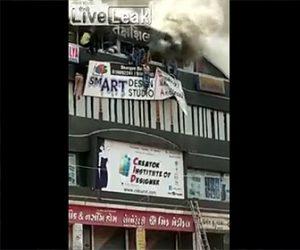 【閲覧注意動画】学習塾で火災。学生が次々と建物から飛び降りる衝撃映像