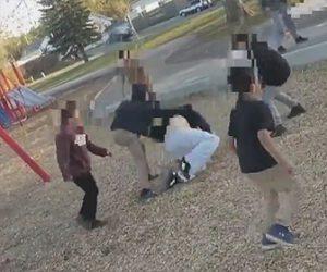 【動画】 女性に注意された子供達が逆切れし、子供達が女性に襲いかかる衝撃映像