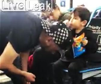 【動画】子供の前でドラッグを使用し意識もうろうの親がヤバすぎる