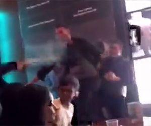 【動画】レストランで喧嘩。水をかけられ椅子を投げつけられる男