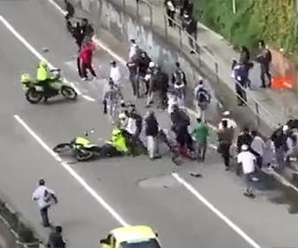 【動画】警察官VSスケートボーダー 警察官がバイクでスケートボーダーに突っ込み恐ろしい事になってしまう