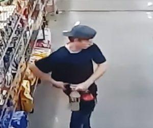 【動画】スーパーで男が熱々のスパゲッティをズボンの中に入れ万引きしようとするが…