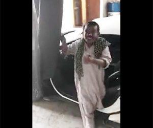 【動画】自慢げにランボルギーニから下りる男性に悲劇が…