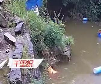 【動画】3人少女の内1人が湖に落下、2人で助け出そうとするが恐ろしい事に…