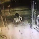 【動画】女性が店入口のガラスが見えず猛スピードで突っ込んでしまう衝撃映像