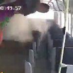 【動画】走行中のバス2台が激突。激突されたバス車内の映像がヤバすぎる