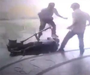 【動画】電動回転ブラシで掃除する父親が感電して倒れ息子が必死に助ける衝撃映像