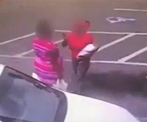 【動画】赤ちゃんを抱いてる母親が女と喧嘩。激しい殴り合いで赤ちゃんが落下してしまう。