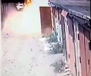 【動画】ガレージが突然爆発し男性が吹き飛ぶ衝撃映像