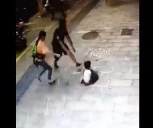 【動画】少年がマンホールの上に立った瞬間、マンホールの蓋が落下し少年も落下してしまう衝撃映像