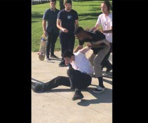 【動画】黒人VS白人 スケートパークで激しい喧嘩。殴り倒し裸絞で絞め落とす衝撃映像
