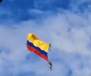 【動画】ヘリコプターで兵士をロープで吊るして飛ぶがロープが切れてしまい…