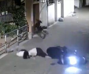 【動画】彼女を後ろに乗せたスクーターがコントロールを失い停車しているバイクに激突する衝撃映像