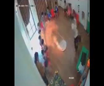 【動画】防災訓練中、火が子供達も燃え移り3人の子供が大火傷を負ってしまう衝撃映像