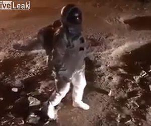 【動画】インドで月面を歩く映像が撮影される