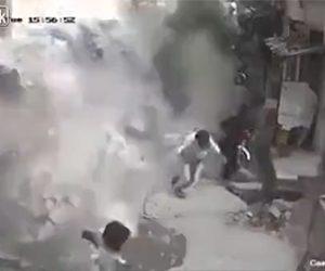 【動画】地震で倒れ始めた建物から必死に逃げる衝撃映像