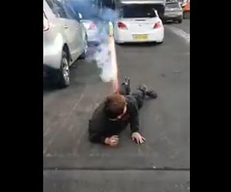 【動画】お尻に巨大ロケット花火に刺し火を着ける衝撃映像
