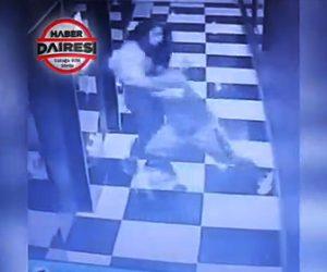 【動画】怒ってる彼氏が彼女を突き飛ばし、彼女はエレベーターのドアを突き破り落下してしまう
