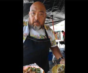 【動画】おじさんが股間を掻きまくった手で料理を作りテーブルに出すが若い女性客が怒り…