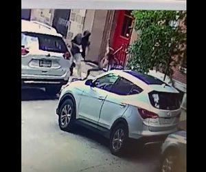 【動画】男がランニングしている女性に突然暴行する衝撃映像