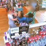 【動画】店の商品を万引きした3人の少女達は止めようとした店員に激しい暴行をする衝撃映像