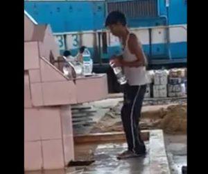 【動画】駅の水をペットボトルに詰めて新品のペットボトルとして売りに行く少年