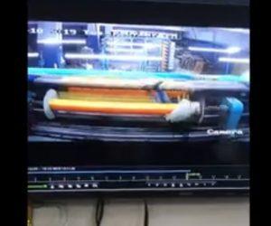 【動画】繊維工場で男性がローラーに巻き込まれてしまう恐ろしい事故映像