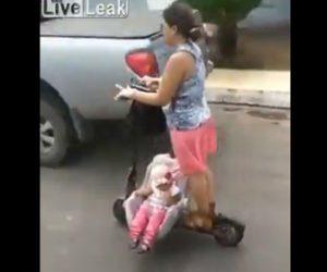 【動画】電動キックボードのチャイルドシートを乗せて赤ちゃんを運ぶ女性が凄い