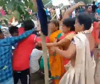 【動画】結婚式で大乱闘。両家が椅子を投げまくり激しい殴り合いになってしまう衝撃映像
