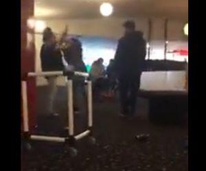 【動画】少女二人が激しい喧嘩。掴み合いになり倒れた少女の顔を男が踏みつける衝撃映像