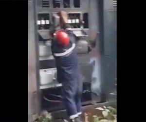 【動画】変電所で作業員が作業中、突然激しい爆発がおきる衝撃映像