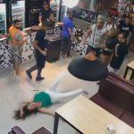 【動画】バーで21歳の女性が大男に殴り倒される衝撃映像