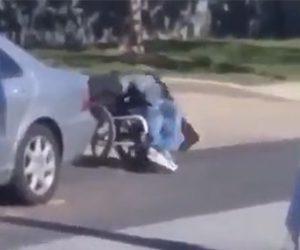 【閲覧注意動画】車椅子に乗る男が警察官に囲まれ銃で撃ちまくられる衝撃映像