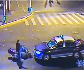 【動画】スクーターに乗る当たり屋がタクシーの前でヤバすぎる行動をとる衝撃映像