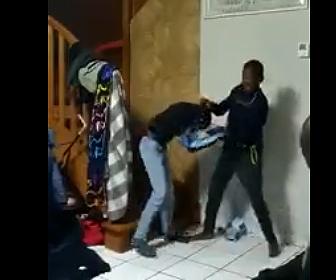 【動画】2人の息子を戦わせる父親がヤバすぎる衝撃映像