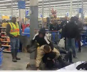【動画】ウォールマートで男達が大乱闘。携帯電話を踏みつけ叩きつける衝撃映像