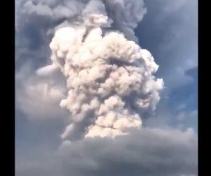 【動画】フィリピンで大規模噴火。大量の火山灰が降り家畜が灰まみれになってしまう衝撃映像