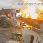 【動画】イスラエルの工場地帯でガス爆発。巨大な炎で作業員が負傷してしまう衝撃映像
