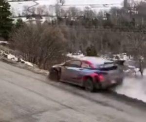 【動画】世界ラリー選手権で猛スピードのラリーカーが壮絶クラッシュする衝撃映像