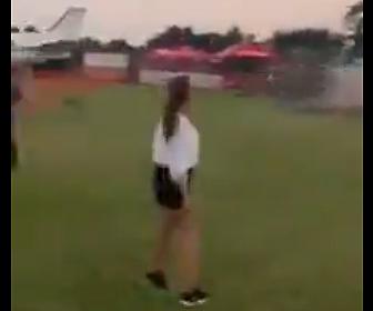 【動画】航空ショーでアクロバット飛行する小型機が墜落してしまう衝撃映像