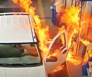 【動画】ガソリンスタンドで給油中、ガソリンに火が付いてしまう衝撃映像