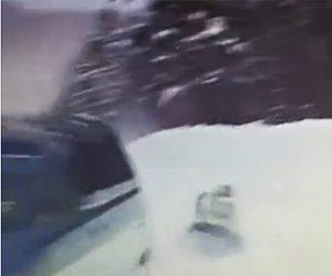 【動画】雪道でチューブに乗った女性が車に引っ張られるがカーブで対向車激突してしまう衝撃映像