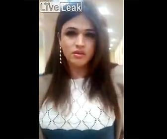 【動画】性転換手術を終えて空港に戻ってきた男性がパスポートの写真と別人過ぎる衝撃映像