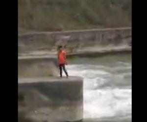 【閲覧注意動画】Tiktokの撮影で男性が頭から川に飛び込むが川が浅く…