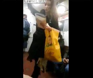 【動画】手すりを持って電車に乗っている美少女が突然バレエの練習を始める衝撃映像