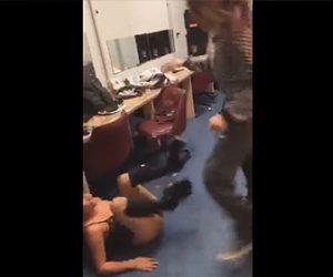 【動画】ストリップ劇場の楽屋でダンサー2人が下着姿で激しい殴り合いをする衝撃映像