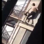 【動画】ロックダウン中に浮気をする妻。夫に見つかり部屋から男が飛び出てくる衝撃映像