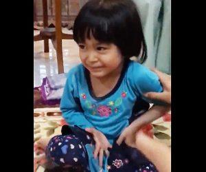 【動画】ゲームに負けた少女が罰ゲームを泣いて嫌がるが…